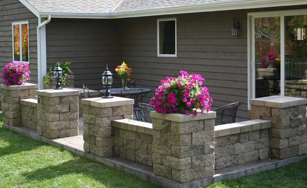 Garden Block Wall Ideas building a concrete block retaining wall building masonry walls patios walkways Retaining Wall Planter Ab Fieldstone Collection Patio Enclosure Ab Courtyard