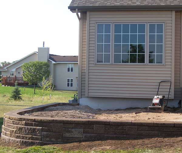 How To Build A Raised Patio With Retaining Wall Blocks - patio wall design pictures