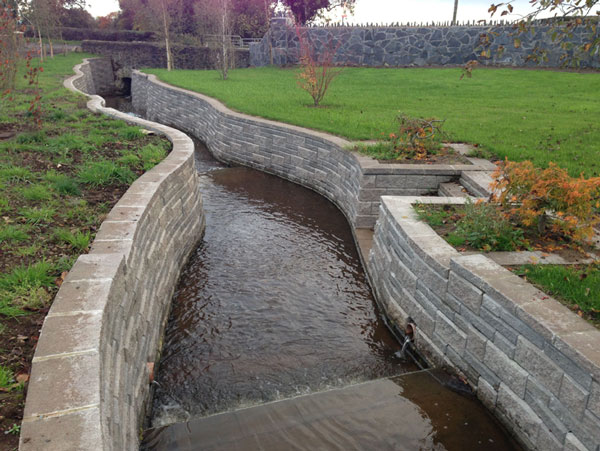 Technical Newsletter Issue 21 Retaining Wall Water