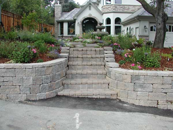 Retaining Walls Build Front Yard Landscapes
