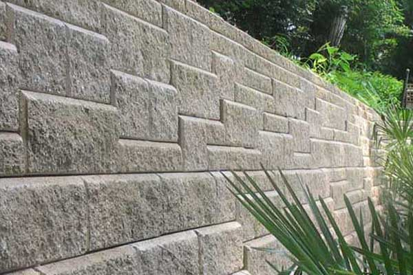 How to build cement block retaining wall