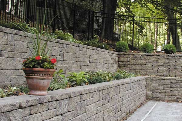 Segmental Retaining Walls - Long Lasting Wall